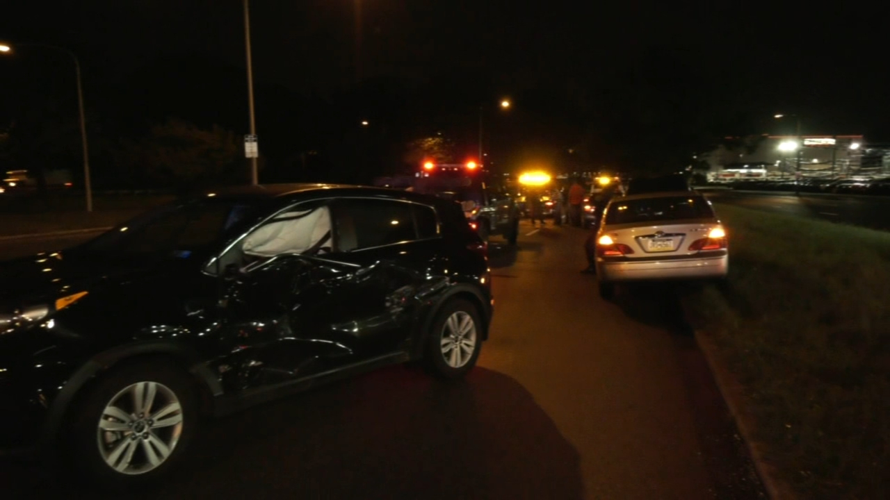 2 injured in crash on Roosevelt Boulevard. Tamala Edwards reports during Action News Mornings on September 18, 2018.