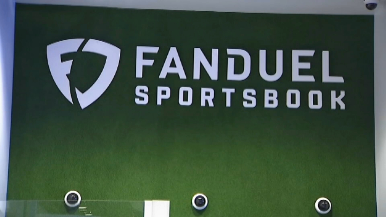 FanDuel to pay out disputed $82K football bet. Watch the report from Christie Ileto on Action News at 10 p.m. on September 20, 2018.