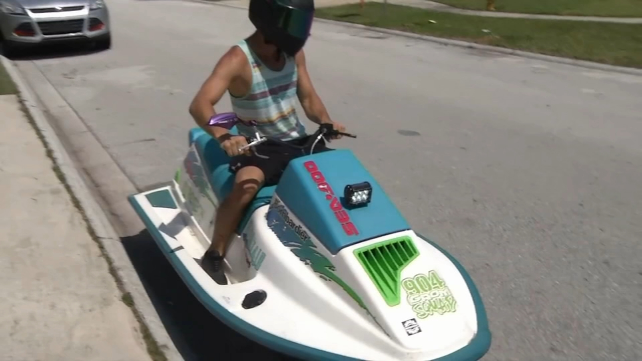 Florida man drives jet ski on the street. Jeannette Reyes reports during Action News at 10 a.m. on September 23, 2018.