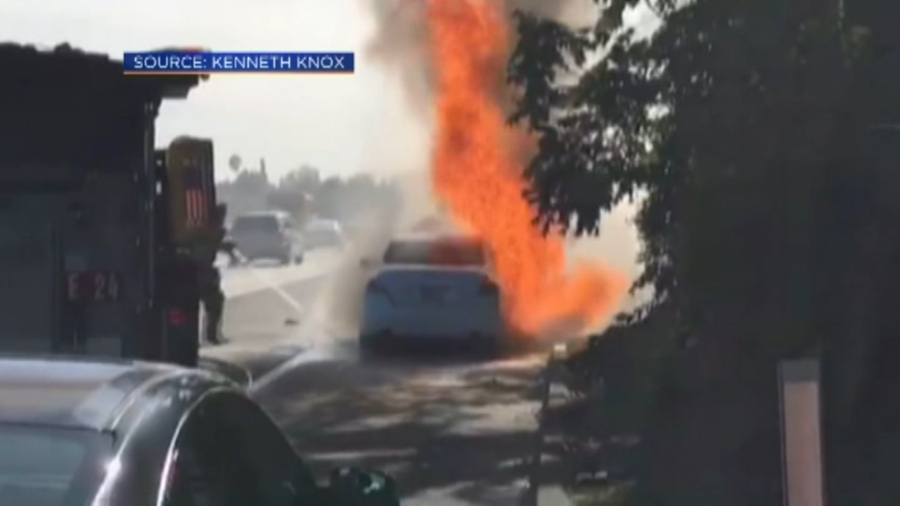 California couple saves family from burning car. Gray Hall reports during Action News at 7 a.m. on September 29, 2018.