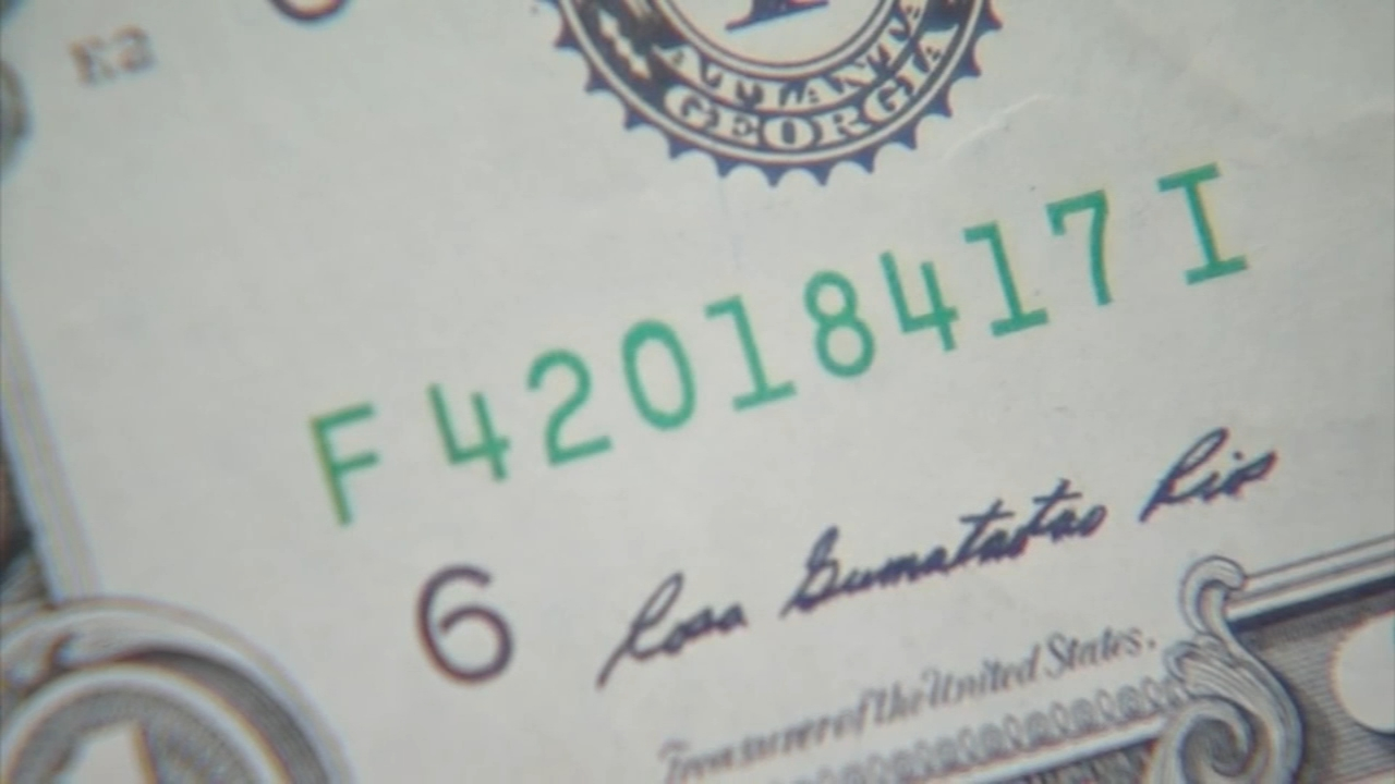 Counterfeit cash used in South Jersey Craigslist transaction: Maggie Kent reports on Action News at 6 p.m., October 1, 2018