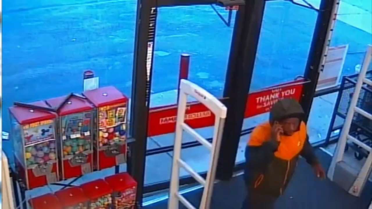 Suspect sought in Family Dollar robbery in Point Breeze. Sarah Bloomquist reports during Action News at 12:30 p.m. on October 3, 2018.