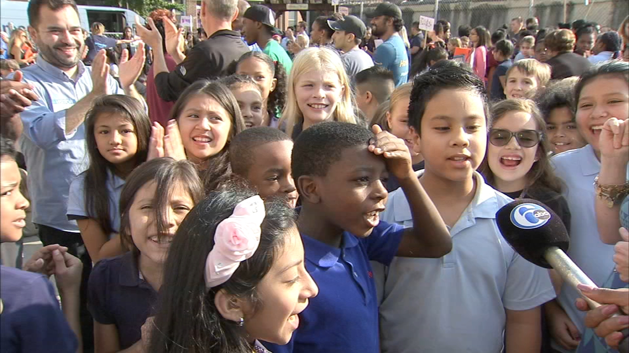Amazon surprises Philly students, teachers with school supplies. Jeannette Reyes reports during Action News at 6 p.m. on October 4, 2018.