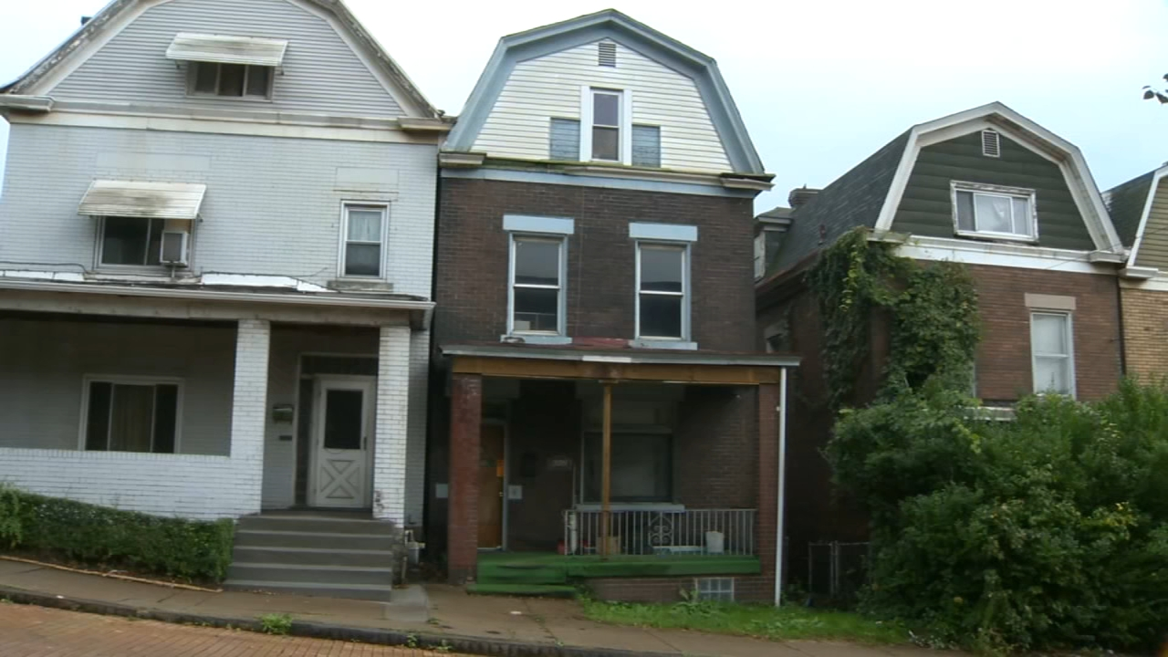 Emaciated child, dead woman found inside hoarding home. Tamala Edwards reports during Action News Mornings on October 5, 2018.