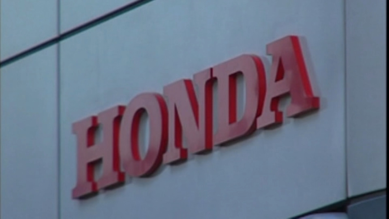Honda teams up with GM to produce self-driving cars. Nydia Han reports during Action News at 9 a.m. on October 7, 2018.
