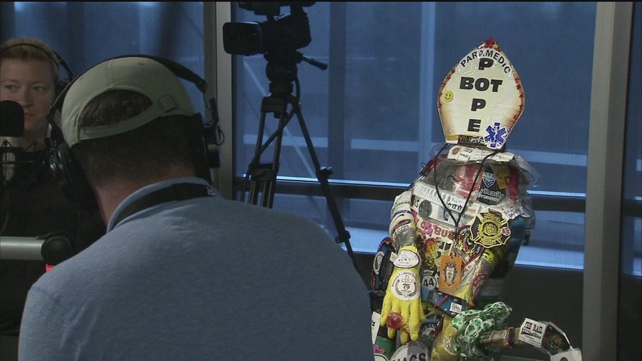 VIDEO: Popebot survives papal journey