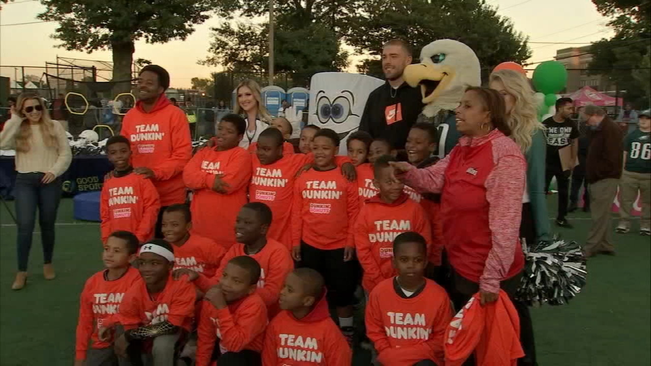 Ertz, Dunkin Donuts donate $50K in sports equipment. Photojournalist Mike Niklauski reports during Action News at 10:30 p.m. on October 12, 2018.
