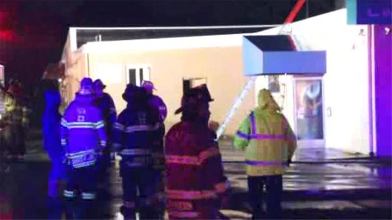 Blaze damages restaurant in New Castle
