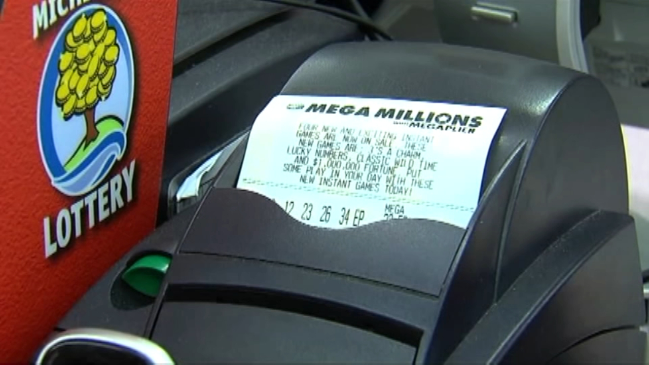 Mega Millions, Powerball jackpots continue to grow, as seen on Action News at 6 p.m., October 14, 2018