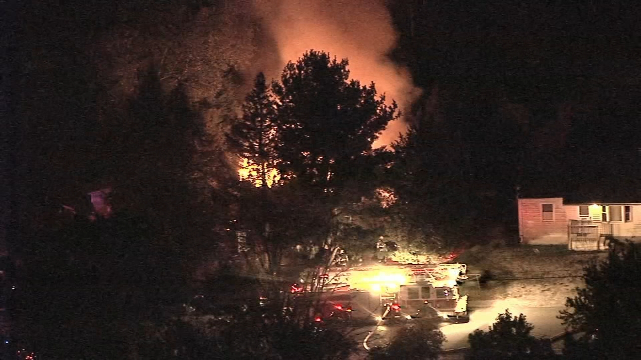 2 dead, 1 injured folllowing Browns Mills fire: Gray Hall reports on Action News at October 17, 2018