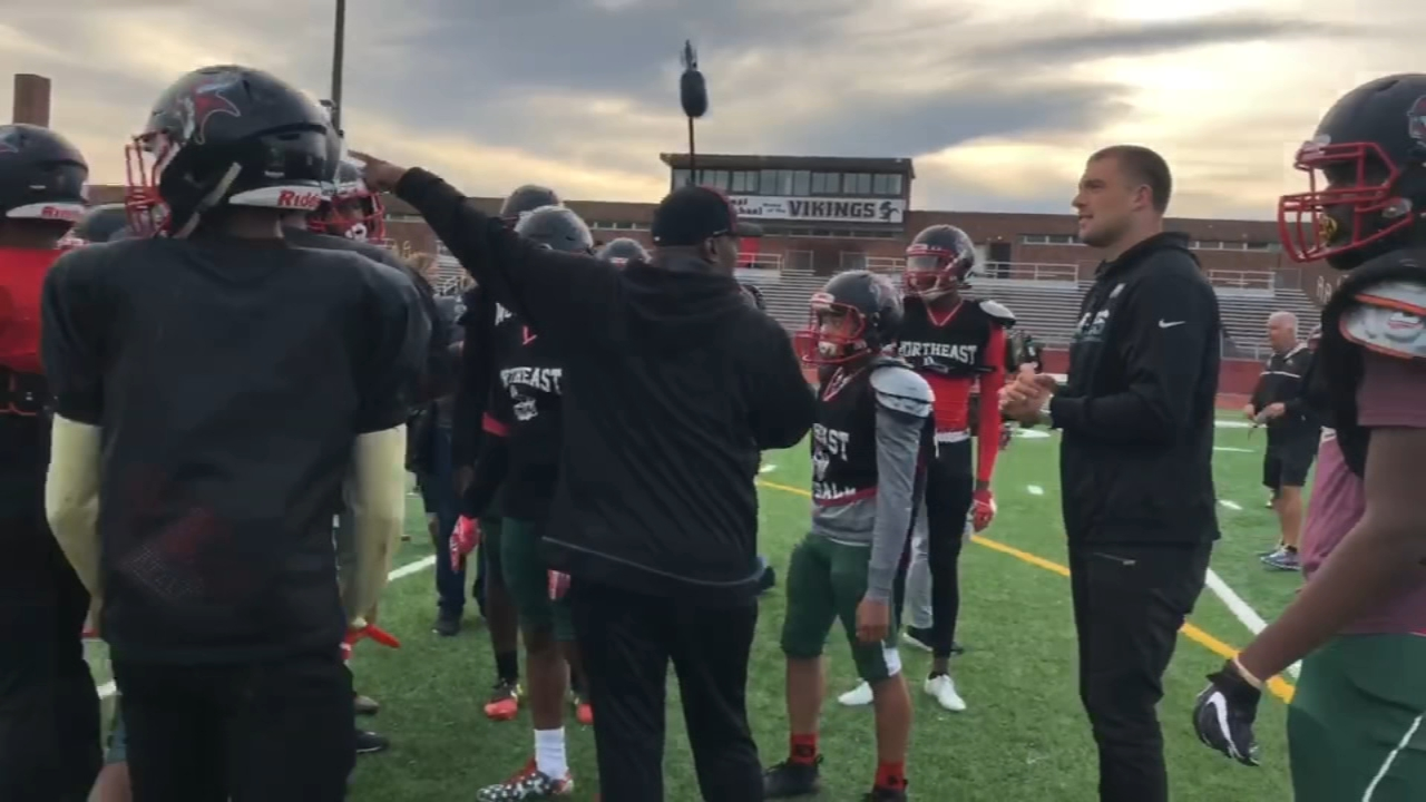 Zach Ertz runs drills with Northeast High Vikings. Matt ODonnell reports during Action News Mornings on October 17, 2018.