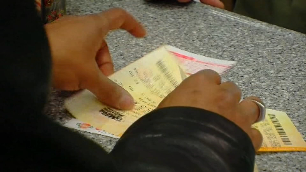 Mega Millions jackpot climbs to $868M. Jeannette Reyes reports during Action News at 12:30 p.m. on October 17, 2018.