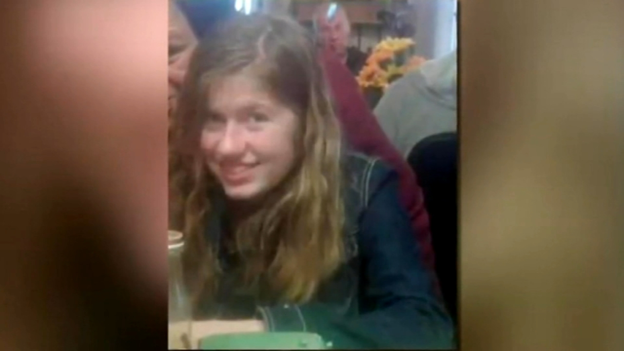 FBI asks for help in finding girl whose parents were found dead. Watch the report from Action News at 4 p.m. on October 17, 2018.