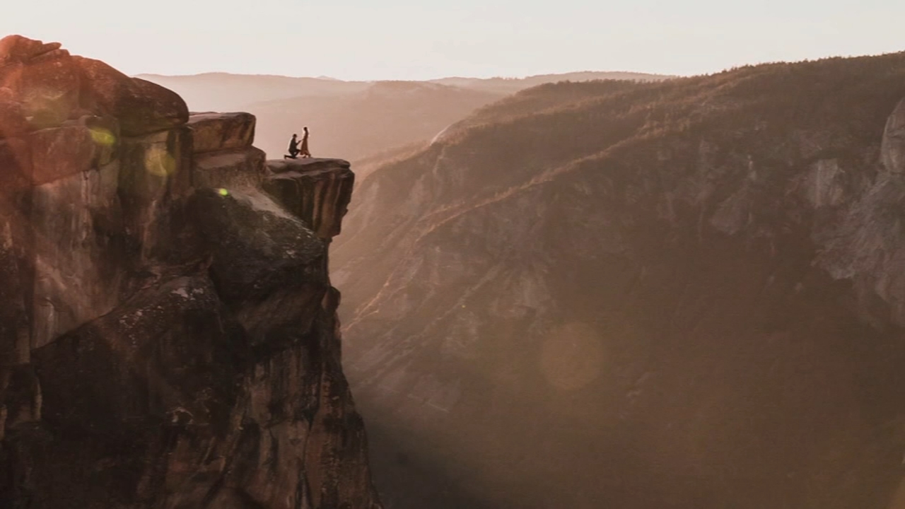Photographer seeks couple in proposal photo taken in Yosemite. Gray Hall reports during Action News at 7 a.m. on October 20, 2018.
