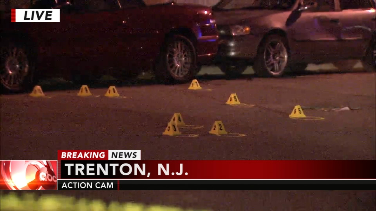 Mother of 2 shot in Trenton home. Jeannette Reyes reports during Action News Mornings on October 22, 2018.