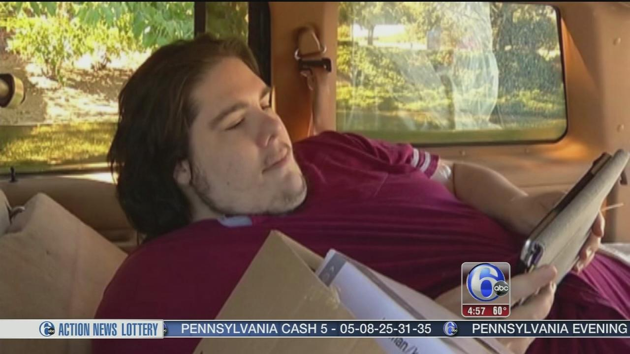 VIDEO: Overweight man says kicked out
