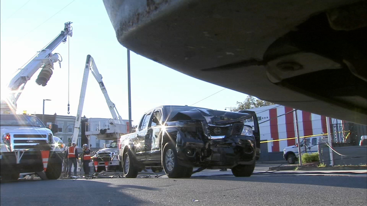 Crash brings down wires in North Philadelphia. Jeannette Reyes reports during Action News at 12 p.m. on October 24, 2018.