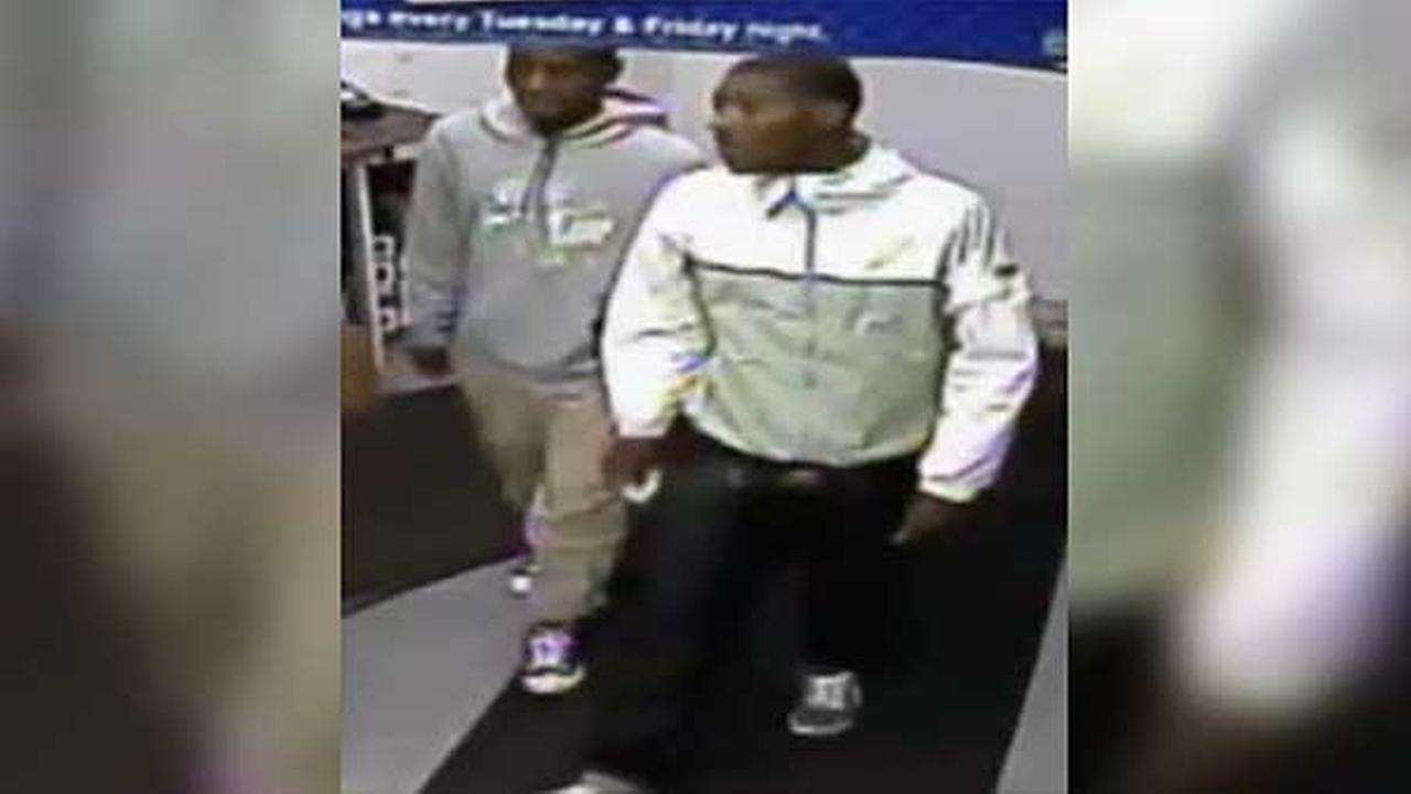 Philadelphia police are trying to track down two men wanted for a violent purse snatching in the citys Juniata Park section.