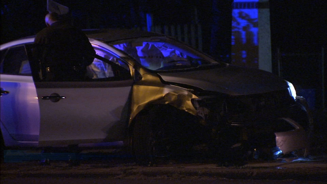Crews rescue driver in Roosevelt Boulevard crash. Jeannette Reyes reports during Action News Mornings on October 26, 2018.
