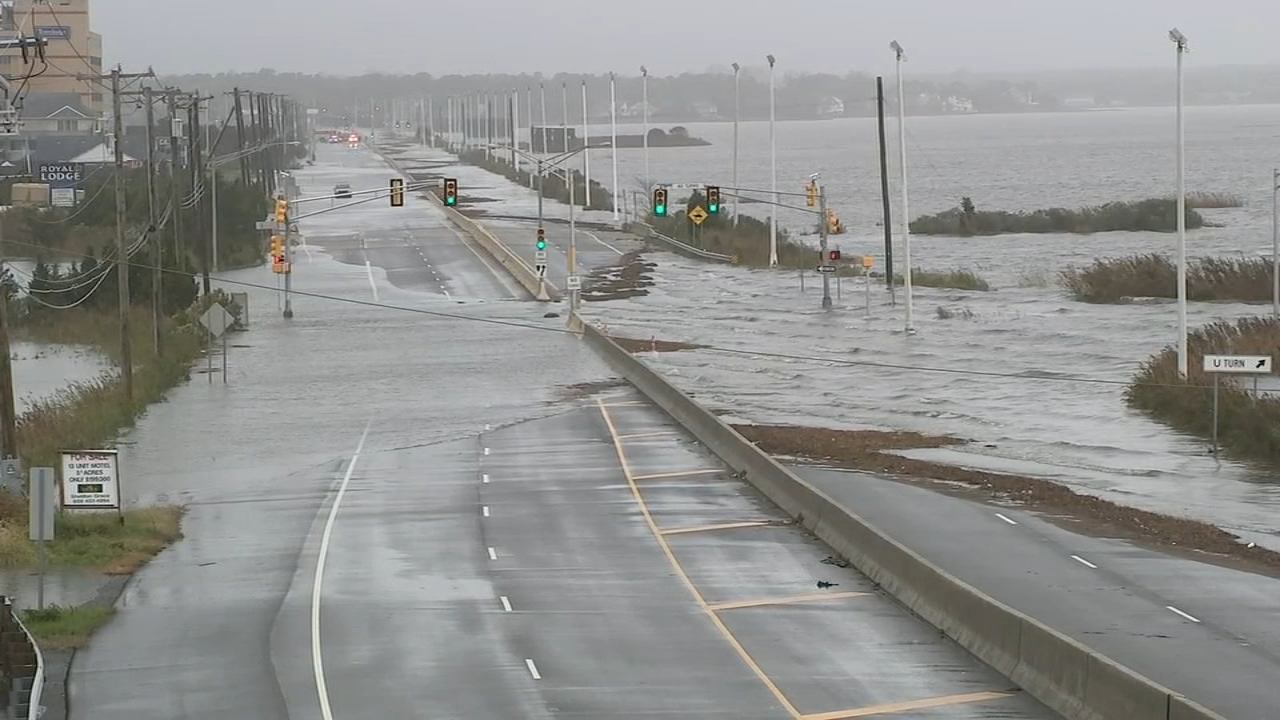Coastal storm brings flooding to Jersey shore towns. Watch Action Cam video from Absecon, New Jersey on October 27, 2018.
