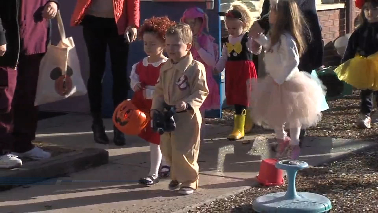 Preschoolers prepare for Halloween with parade in Southampton - Sarah Bloomquist reports during Action News at noon on October 30, 2018.