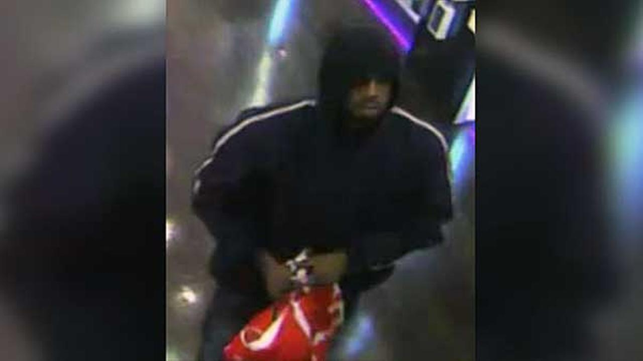 Philadelphia police are searching for a thief who got away with over $4,000 dollars worth of electronics from a Port Richmond cellphone store.