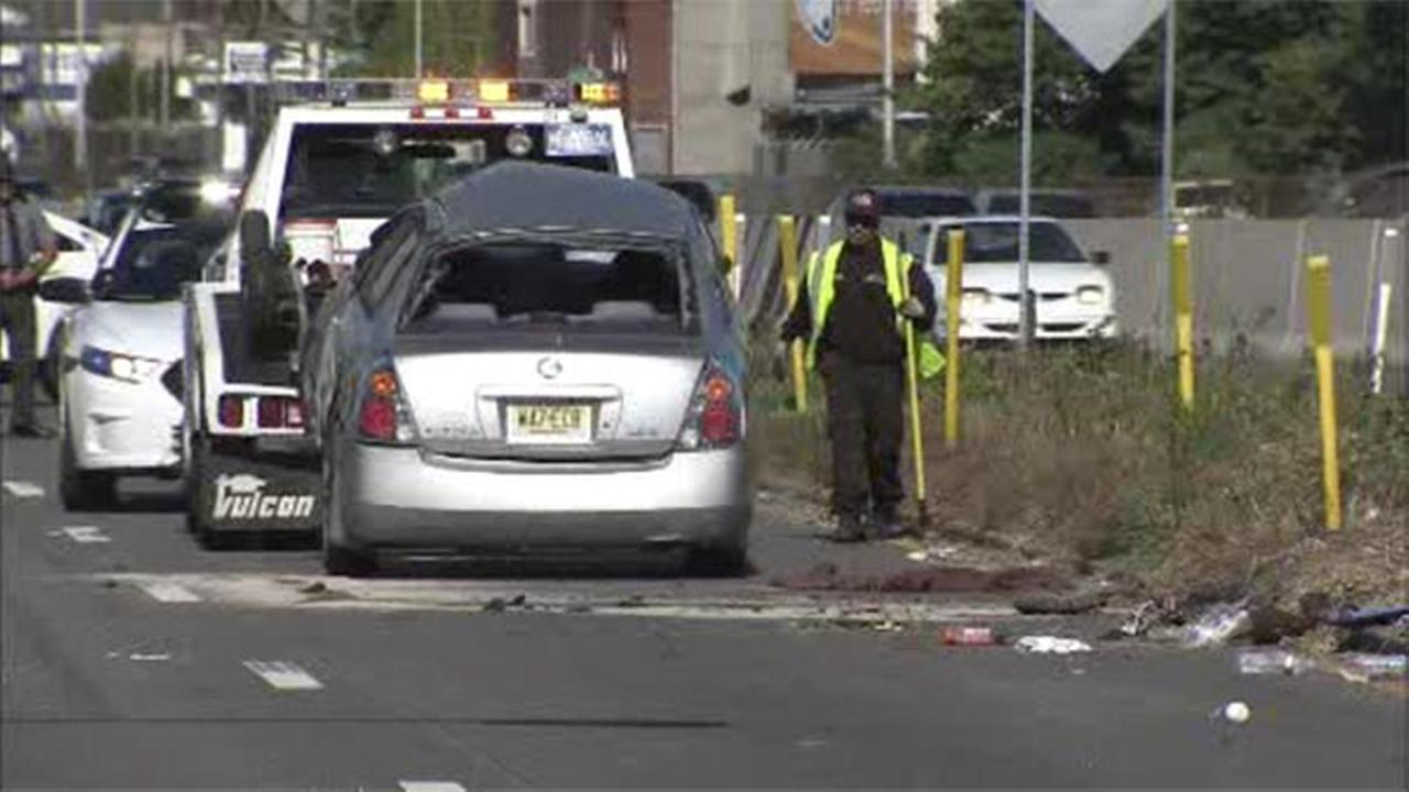 2 injured in I-76 crash in South Philadelphia