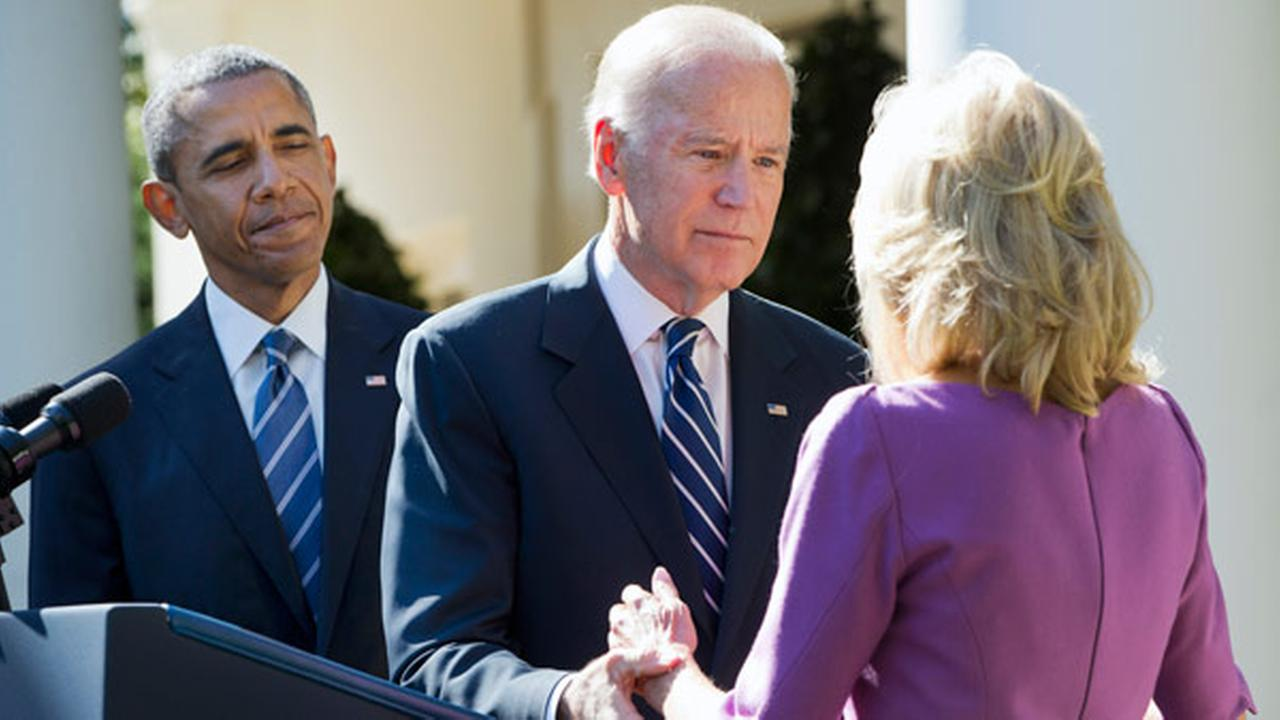 President Barack Obama watches as Vice President Joe Biden turns to his wife Dr. Jill Biden after announcing that he will not run for the presidential nomination.
