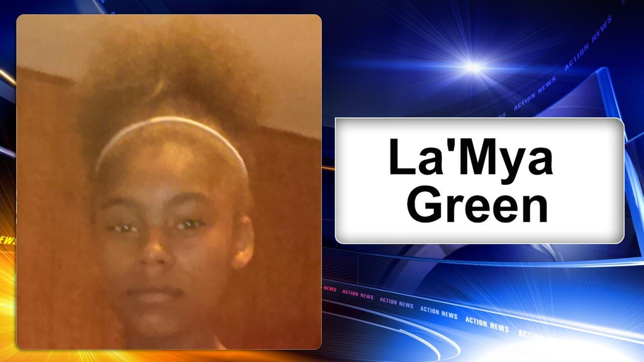 Philadelphia police search for missing 14-year-old girl