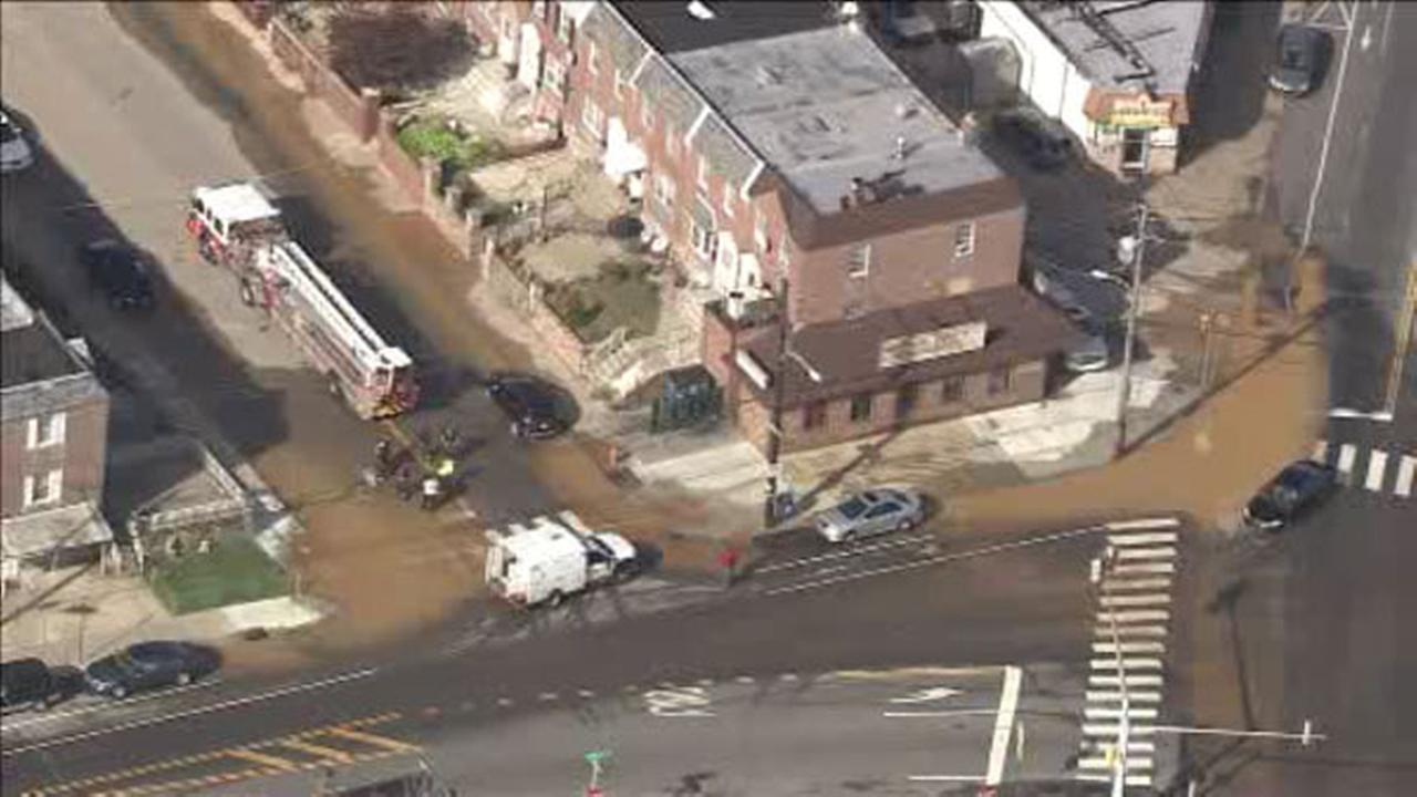 70 homes affected by Oxford Circle water main break