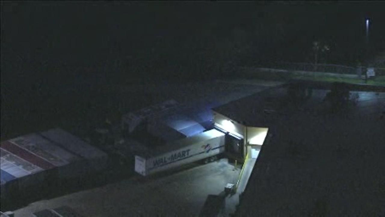 Body found behind Walmart in South Philadelphia
