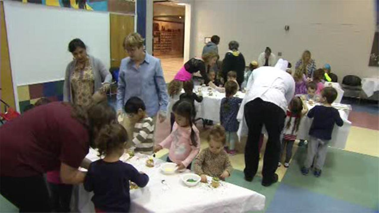 Kids Health: Getting kids involved with Thanksgiving