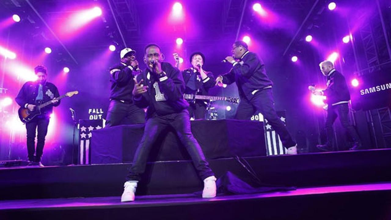 Boyz II Men, Fall Out Boy perform 'Motownphilly' on Kimmel