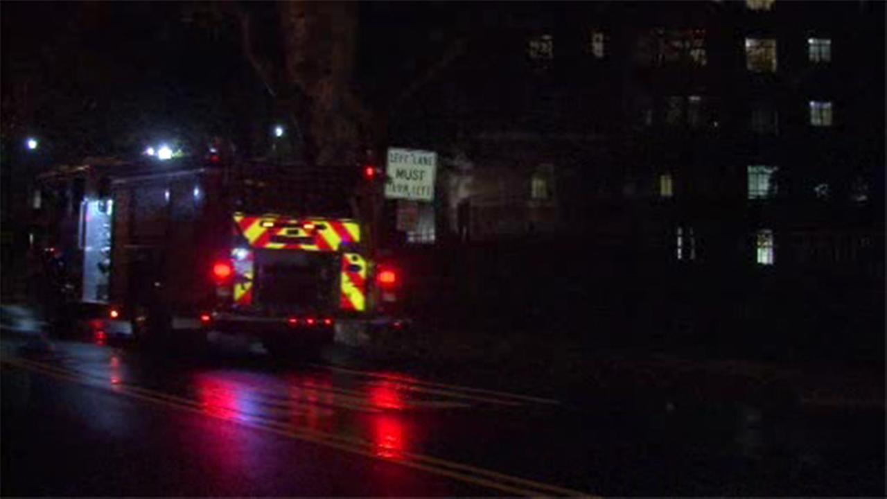 Crews battle high-rise apt. fire in Germantown