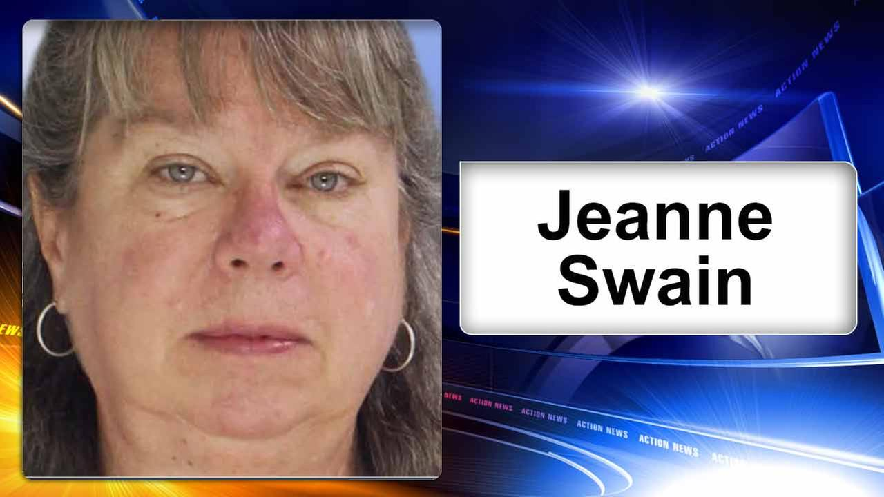 Prosecutor: Accountant stole $100K from 100-year-old woman