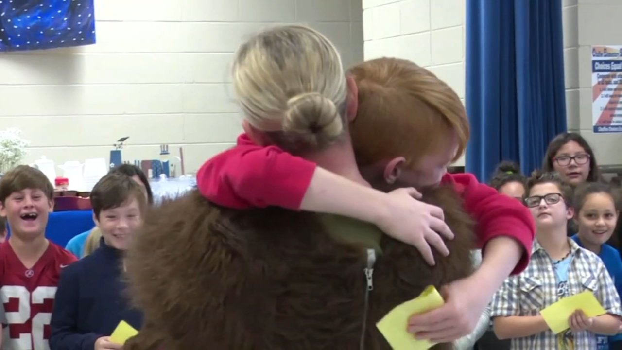 Soldier surprises son at school after a year of deployment. Nydia Han reports during Action News at 6 a.m. on November 11, 2018.