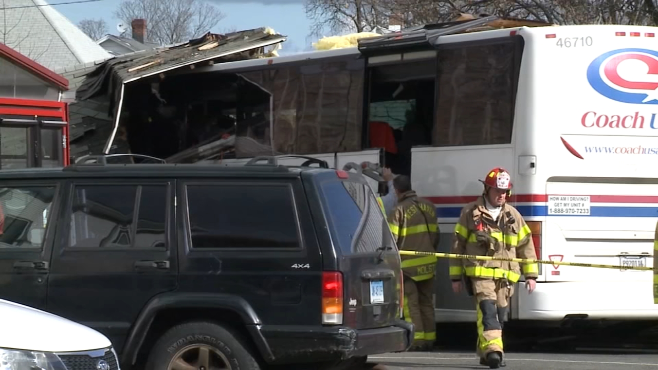 Princeton students save bus driver. Tamala Edwards reports during Action News Mornings on November 12, 2018.