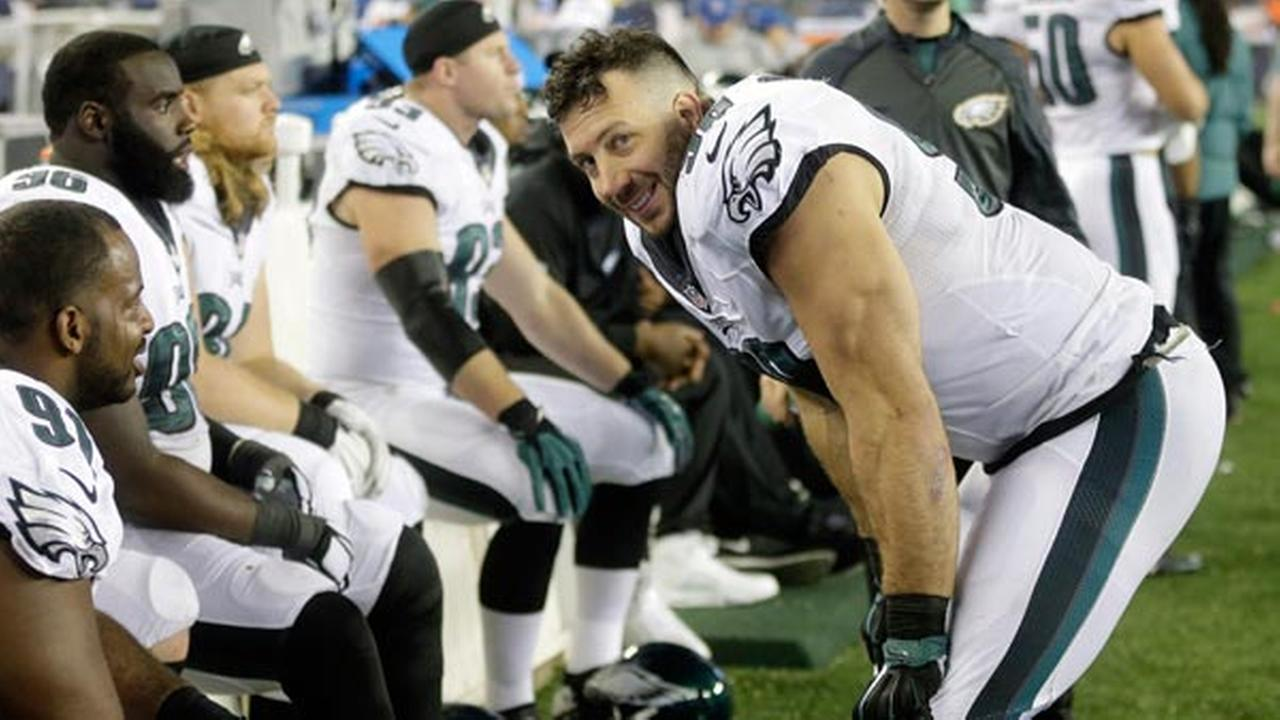 Philadelphia Eagles linebacker Connor Barwin (98) smiles on the side during the second half of an NFL football game against the New England Patriots, Sunday, Dec. 6, 2015.