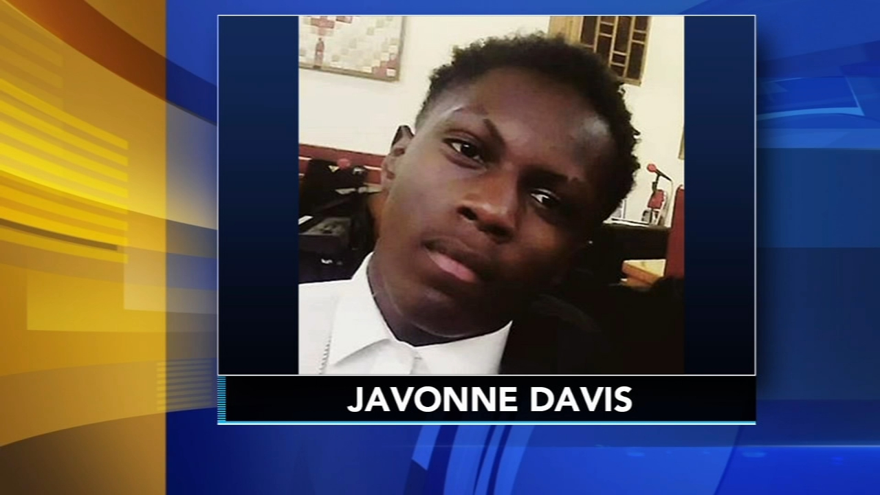 Family, friends mourn Camden High student killed. Jeannette Reyes reports during Action News at 12:30 p.m. on November 14, 2018.