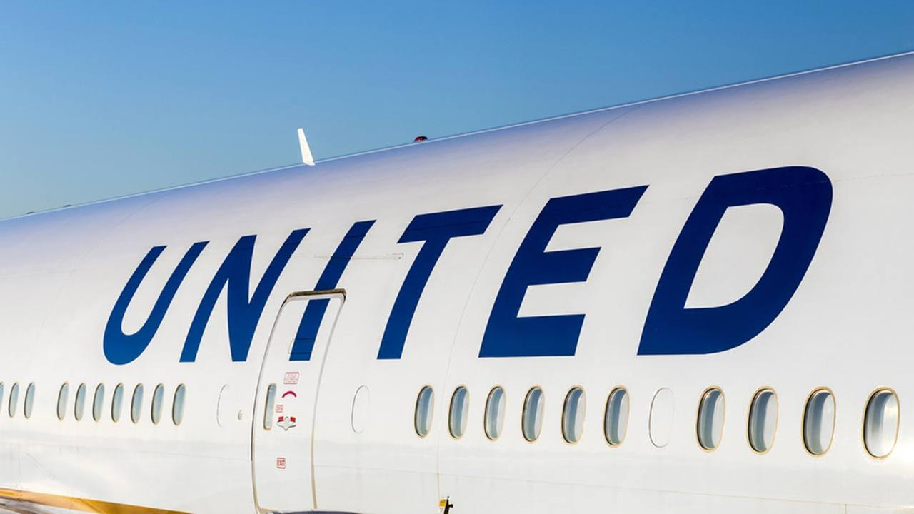 United changes policy for kids flying alone