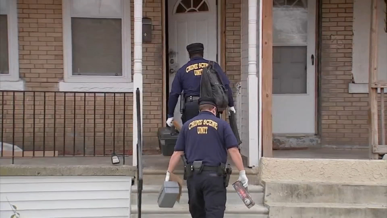 Cousins, 2 women found executed in SW Philadelphia home. Bob Brooks reports during Action News at Noon on November 20, 2018.