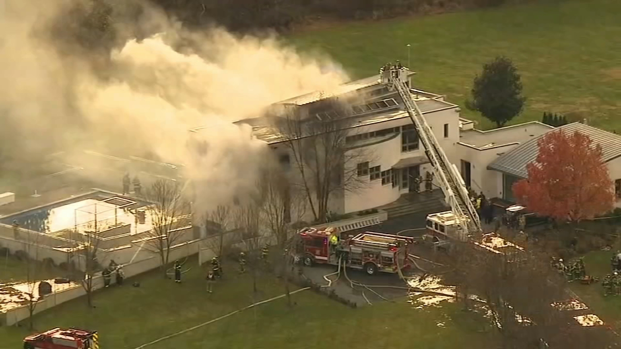 Colts Neck mansion fire: 2 children, 2 adults found dead. ABC News reports during Action News at 4 a.m. on November 21, 2018.