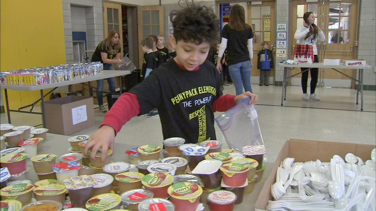 Students from Pennypack Elementary School worked together to fill goodie bags for the homeless as reported during Action News at 4 on November 21, 2018.