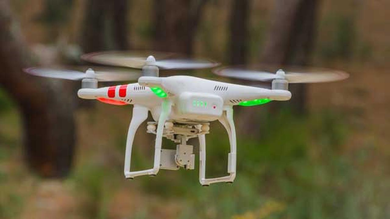 FAA to require most drones to be registered, marked