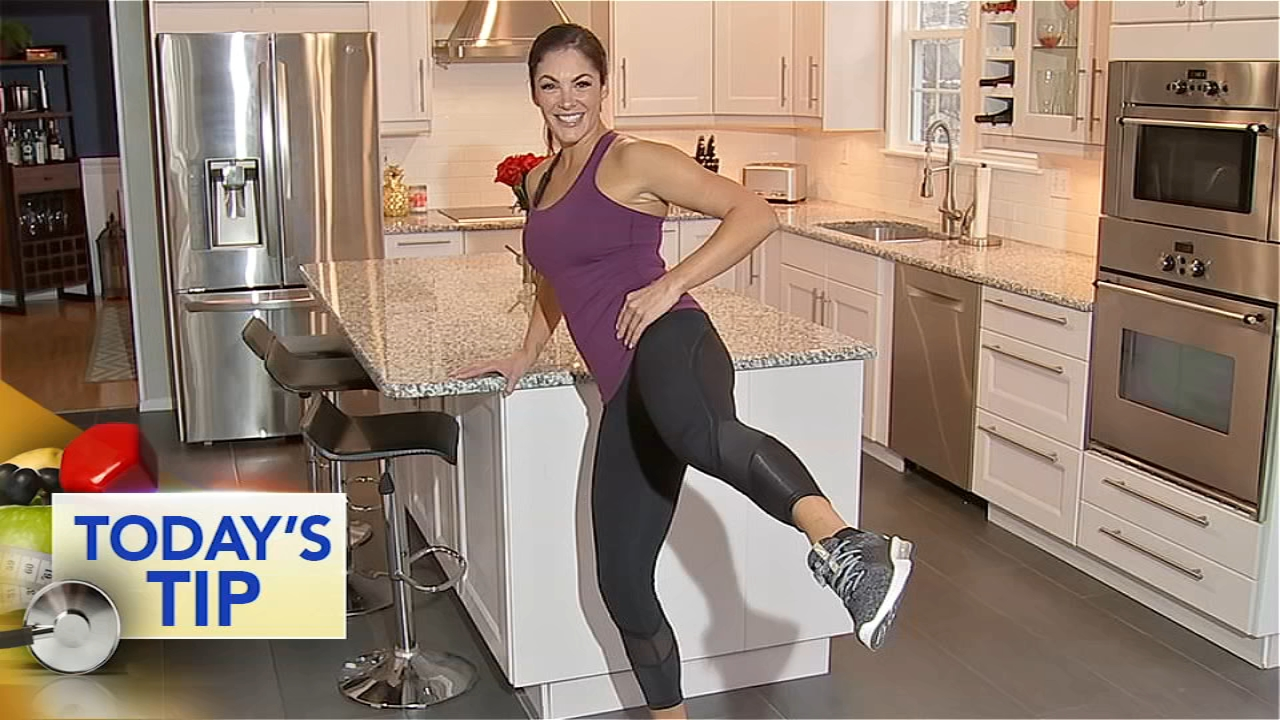 Shoshana shows us a simple but effective leg lift workout that you can do from the comfort of your home.