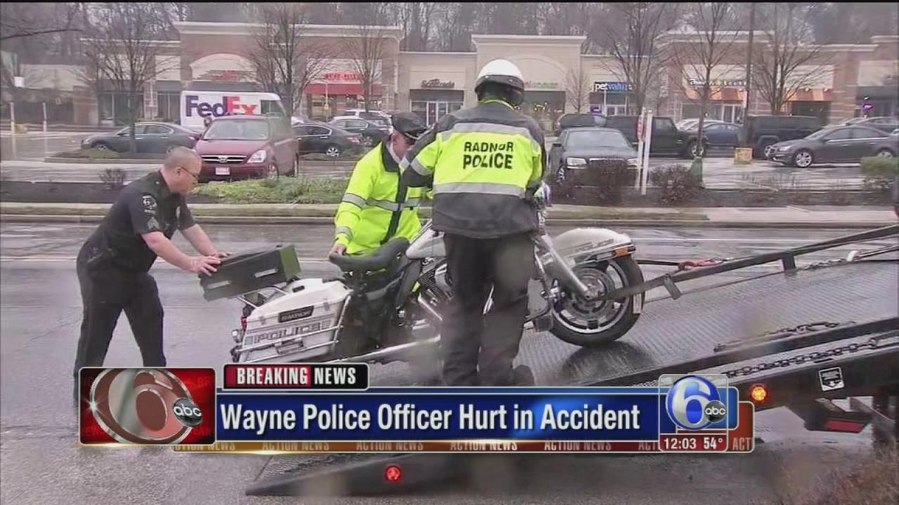 VIDEO: Wayne police officer hurt in crash