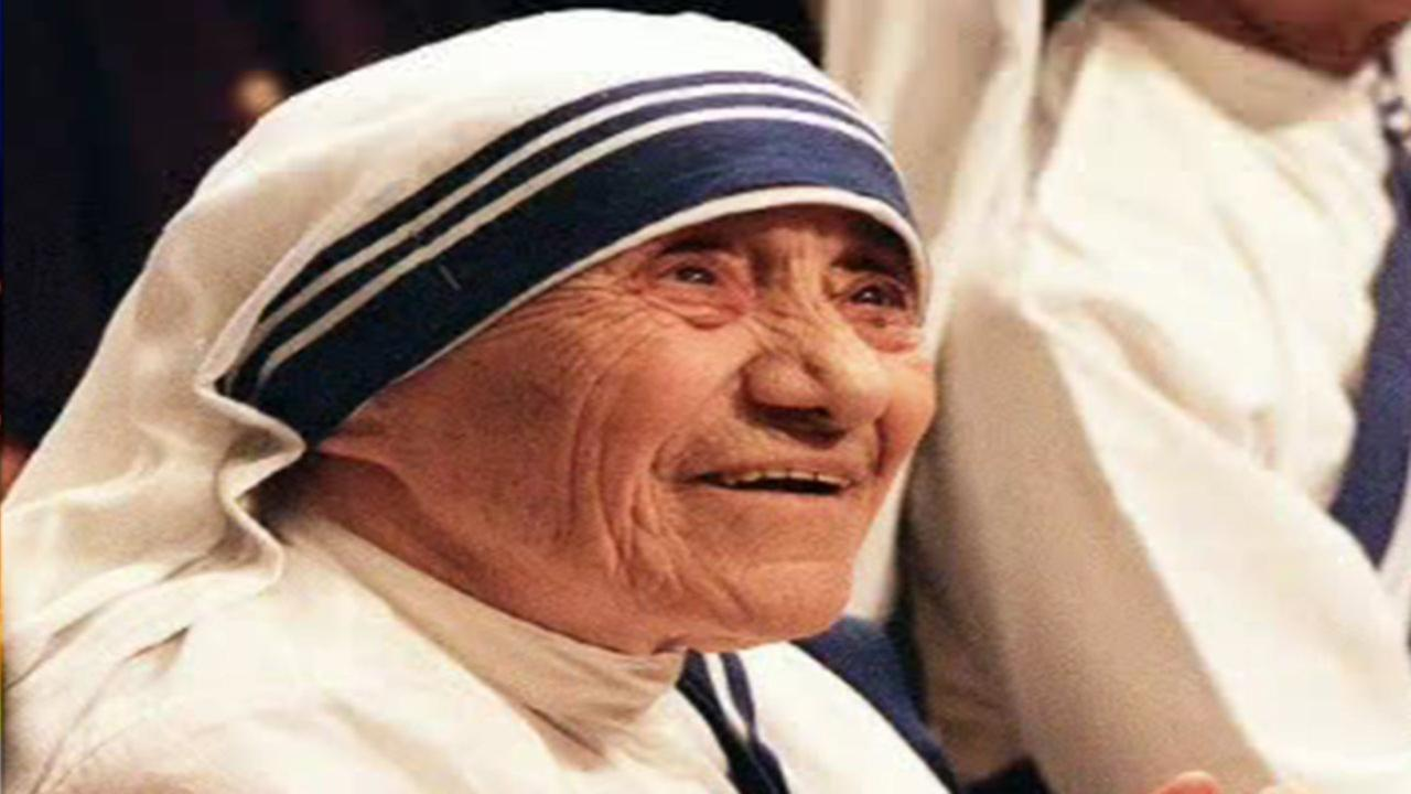 Pope approves miracle for Mother Teresas canonization