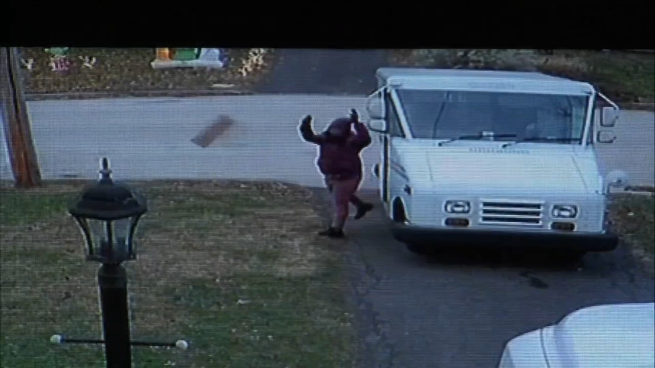 Caught on camera: Postal worker tosses package on lawn: John Rawlins reports on Action News at 4 p.m., November 28, 2018