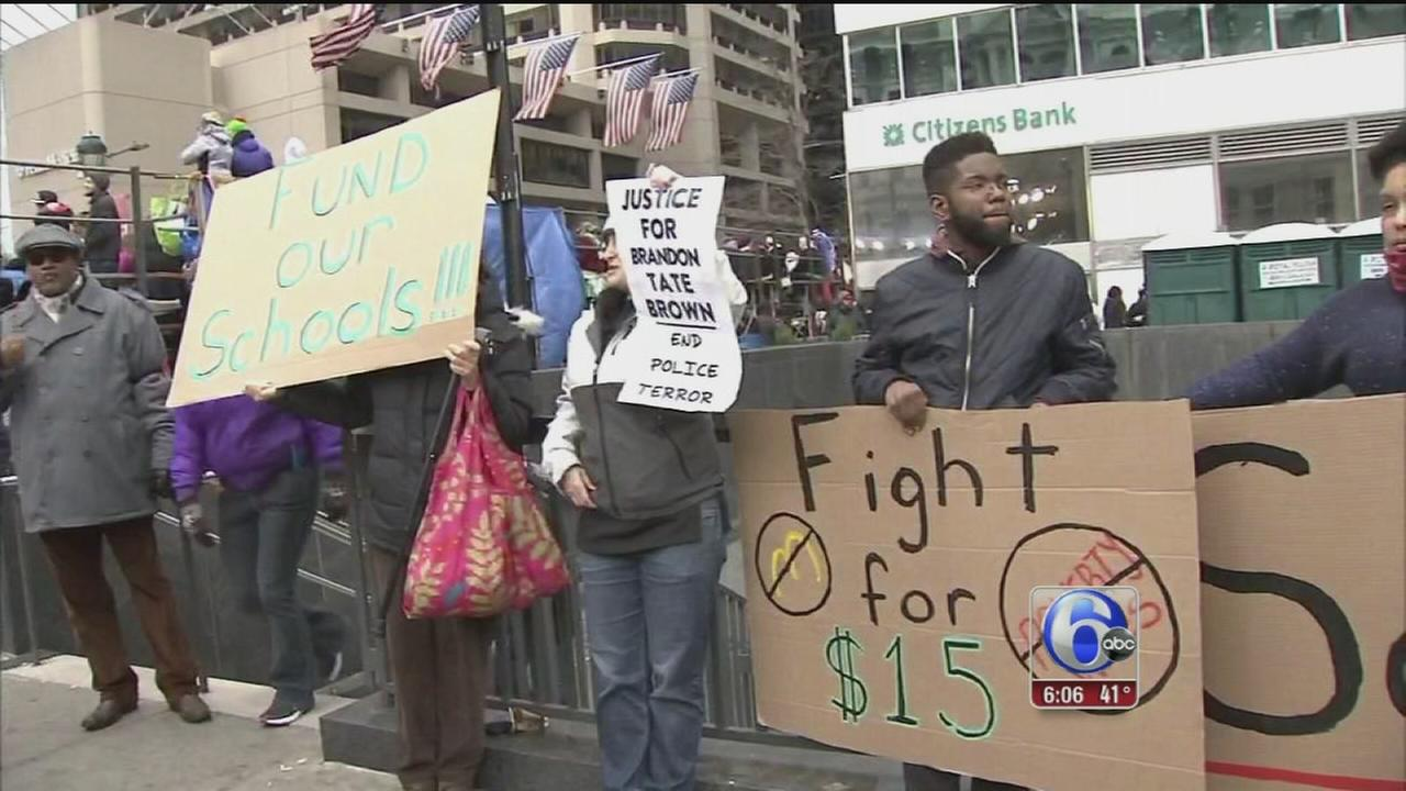 VIDEO: 2 arrests during Mummers protest