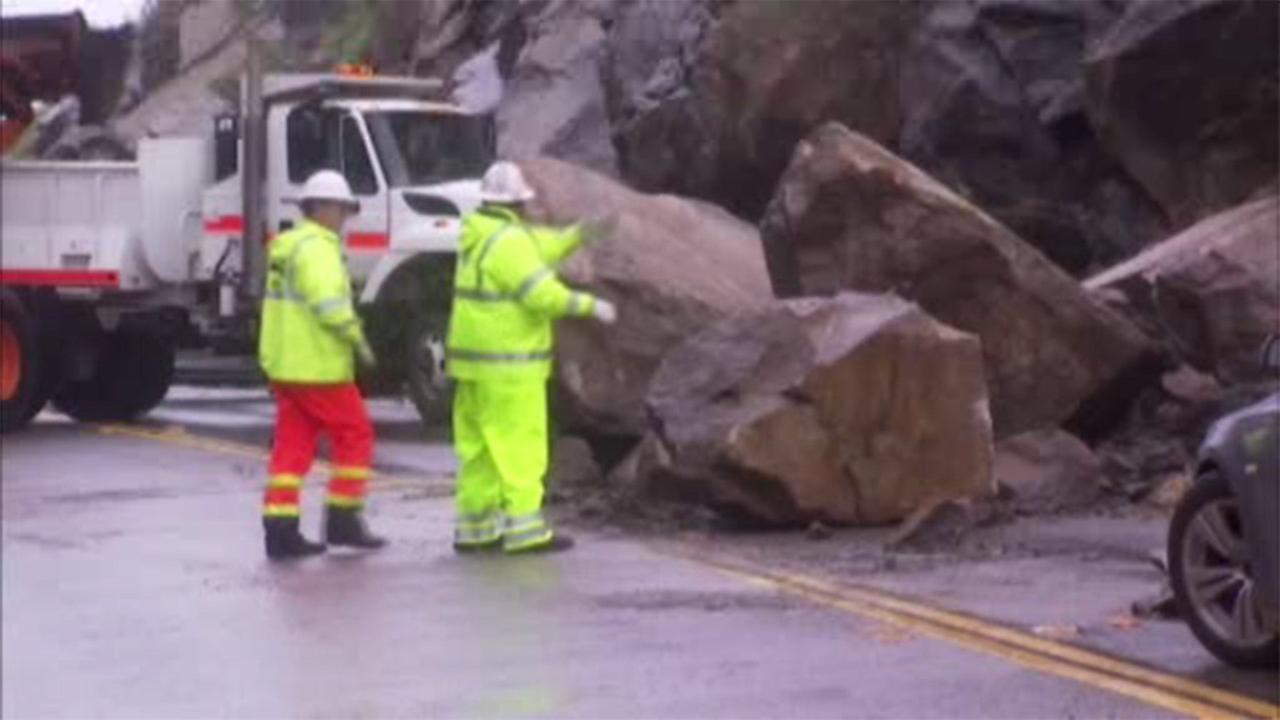 Rain causes big rockslide in California